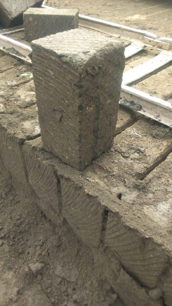 Khaki machine cut stones