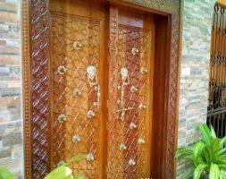 Beautiful Solid Hand-Crafted Mvuli Wood Lamu Double Door
